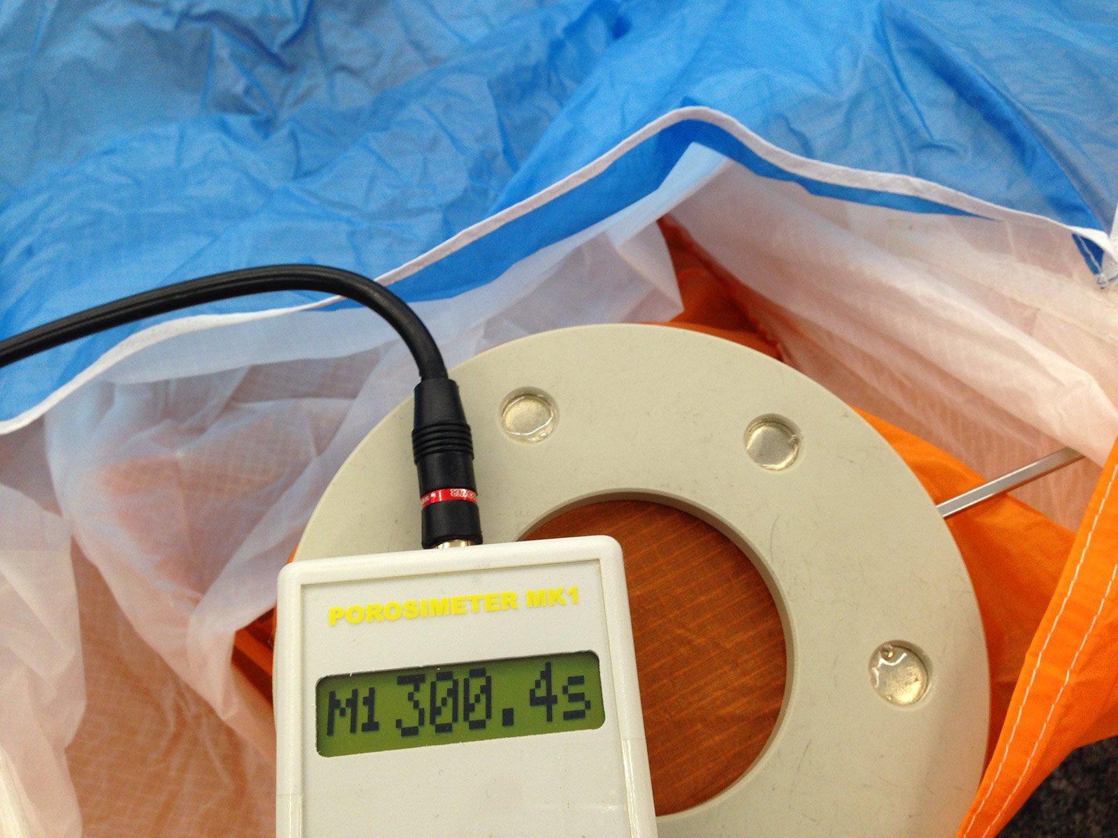 Check Alpha 6 Messung der Luftdurchlässigkeit des Tuches